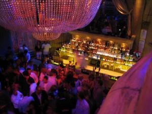 INS BLOG_nightclub